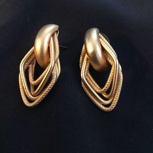 Gold Tone Pierced Earrings Tres Chic